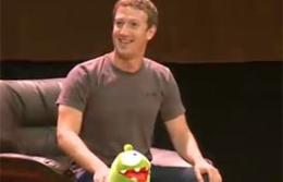 Mark Zuckerberg da una conferencia en la MGU